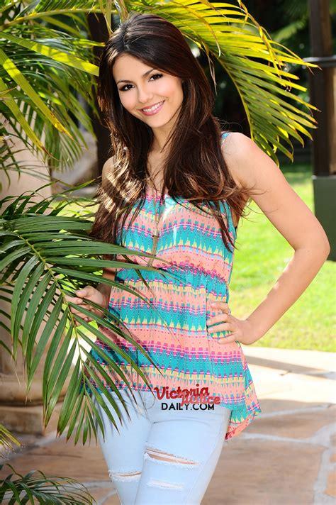 Victoria Justice Victorious Season 1 Promoshoot