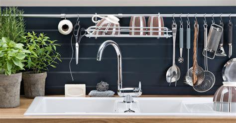 meubles evier cuisine cuisine les accessoires astucieux