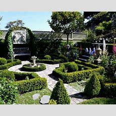 Informal (english) Garden Vs Formal (french) Garden How
