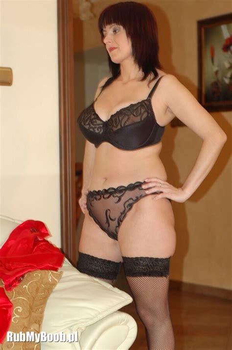 mature wife curvy big boobs