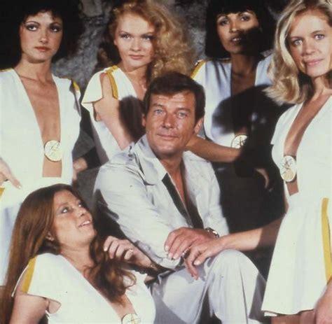 foto de James Bond: Augenbraue als Waffe Roger Moore ist 80 WELT