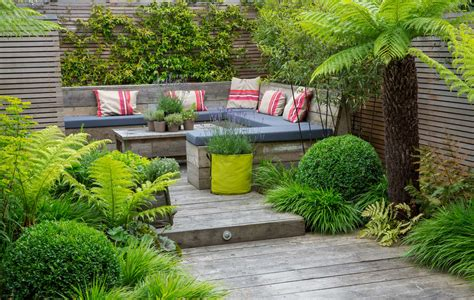 Garden : Multi Layered Japanese Style Garden And Sitting