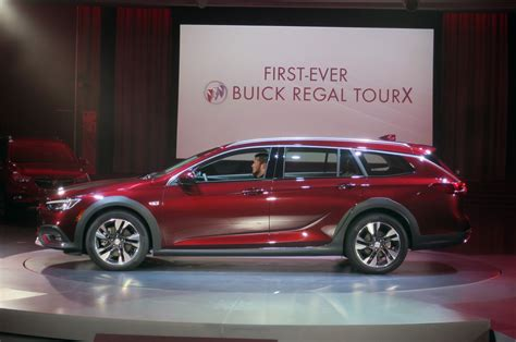 2018 buick regal sportback and tourx first branching into hatchbacks wagons motor trend