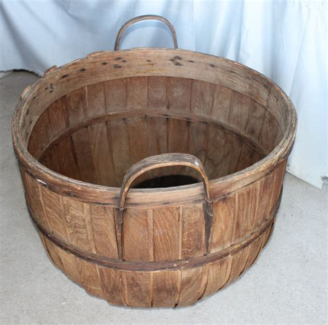 Bargain John's Antiques   Hickory bentwood Bushel Apple