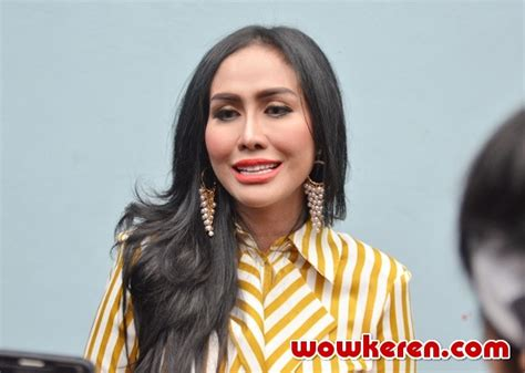 Foto Ratu Meta Ditemui Usai Jadi Bintang Tamu Rumpi