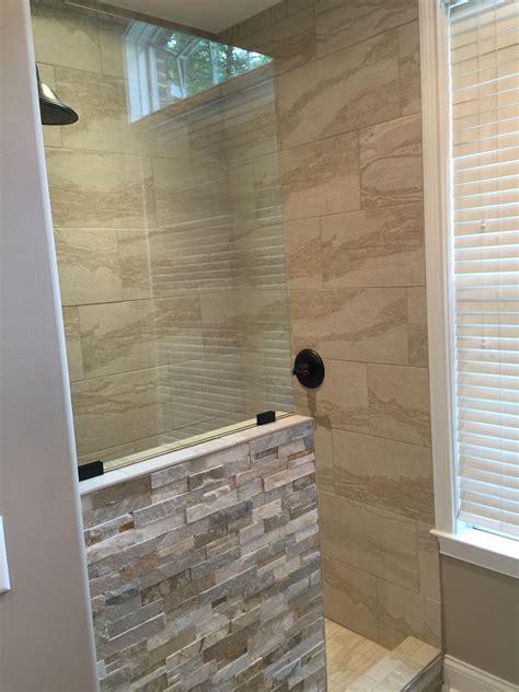 Walk In Shower Ideas For Small Bathrooms by Walk In Shower No Door Bathroom Interior In 2019