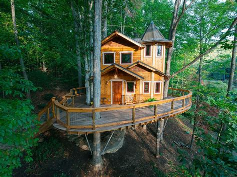 House In Tree by Vacation Rentals 10 Epic Treehouses To Rent For The