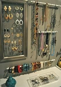 Support à Bijoux : porte bijoux original 30 id es de bricolage facile et bon march id es pour la maison ~ Teatrodelosmanantiales.com Idées de Décoration