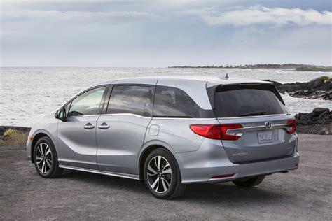 2019 Toyota Sienna Vs 2019 Honda Odyssey Minivan