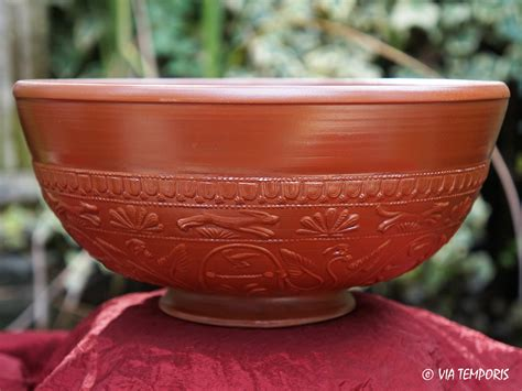 騅ier de cuisine en ceramique ceramique gallo romaine bol sigillee du sud de la gaule drag 37 grand modele