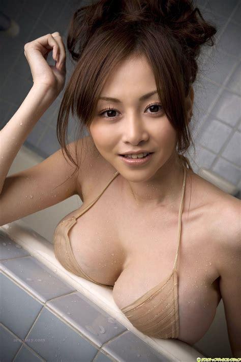 Nackt nude shower girl vagina