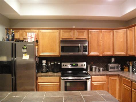 150 kitchen cabinet makeover find it make it love it an incredible kitchen makeover emily a clark