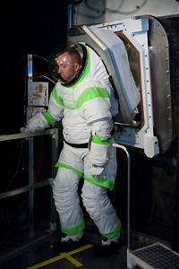 The Evolution of American Spacesuits - Simple Thing Called ...