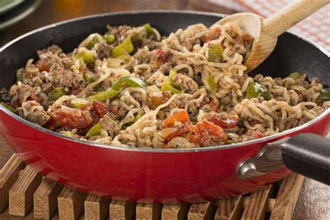 These ground beef recipes are perfect for weeknight dinners. Beef with Noodles: Diabetic Dinner Recipe | EverydayDiabeticRecipes.com