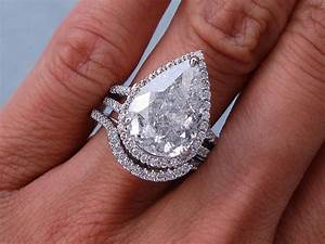 593 ctw pear shape diamond wedding ring set includes a for Wedding bands for pear shaped rings