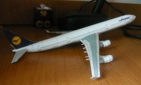 lufthansa airbus    airplane paper model