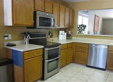 i need a kitchen makeover 20 pictures of before and after kitchen makeovers with cost 7387