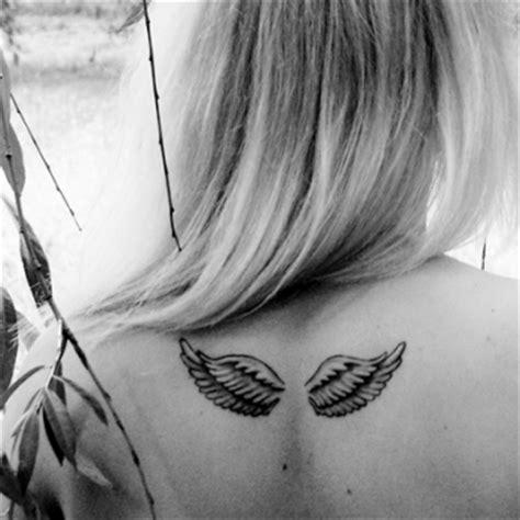 aile d ange tatouage tatouage ange dans le dos