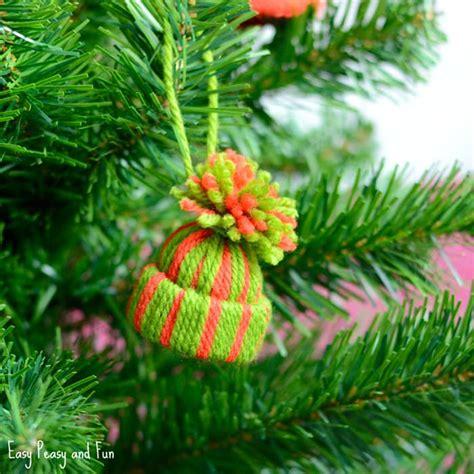 mini yarn hats ornaments diy christmas ornaments easy