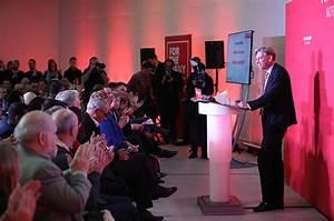 Richard Leonard voted new leader of Scottish Labour
