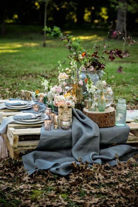 cool ways   rustic wood pallets   wedding