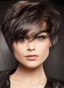 coupe cheveux court visage rond coupe courte femme 2017 visage rond