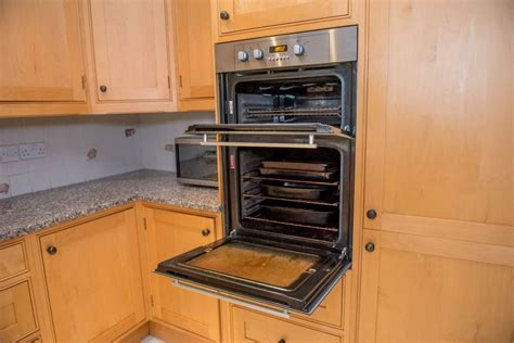 Large In Frame Shaker Style Used Kitchen, Granite, Surrey