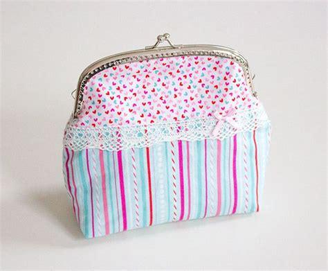 taschen nähen anleitung gro 195 e clipb 195 182 rse eine kleine handtasche kosmetiktasche