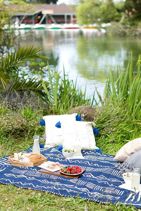 diy projects   perfect picnic  backyard staycation