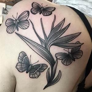 70 Fashionable Shoulder Tattoo designs for Girls - Symbols ...