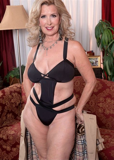 Pin By Rabih On Dressed Sexy Older Women Laura Layne