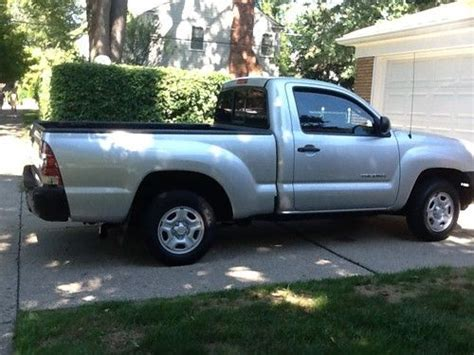 find   toyota tacoma single cab pickup truck  spd