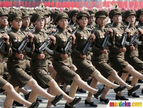 foto aksi wanita perkasa korea utara yang tangguh di