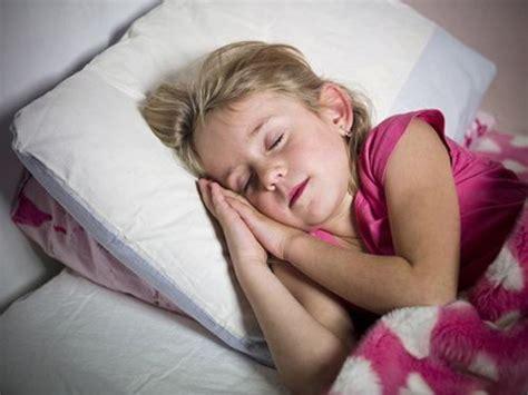 early bedtime  preschoolers  ward  teen obesity