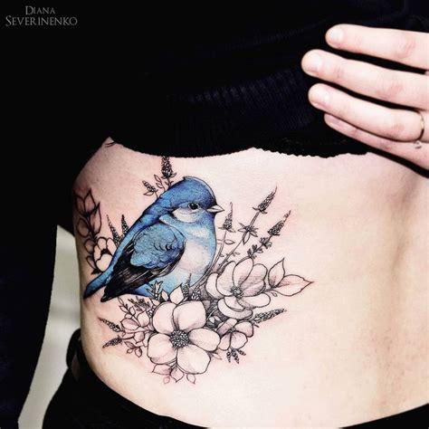 Tatouage Oiseau Bleu Avec Fleurs Flanc Femme  Tatouage Femme