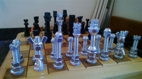 cool chess set pieces  lee summers   nuts