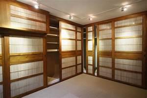 Porte Coulissante Angle Droit : la porte de dressing coulissante garantit un style moderne ~ Melissatoandfro.com Idées de Décoration