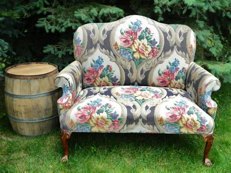 vintage floral sofa   rage decor