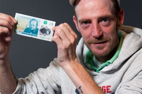 Workman Left Stunned After Getting New £5 Note And Finding