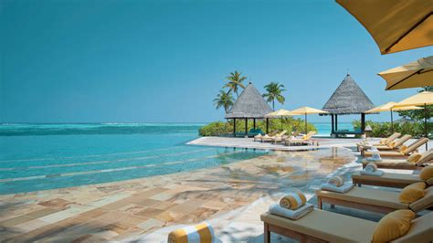 seasons resort maldives kuda huraa majestic resorts