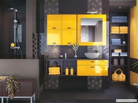cuisine jaune et grise décoration salle de bain jaune