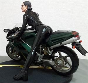 Gentle Giant Matrix Reloaded TRINITY on Motorcycle 1/6 ...