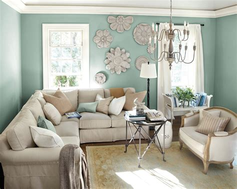 Just like a pot of plant, placing a flower. 10 Living Rooms Without Coffee Tables - How To Decorate