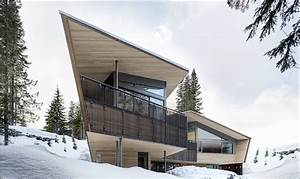 Whistler House Has A Modern And Enigmatic Facade