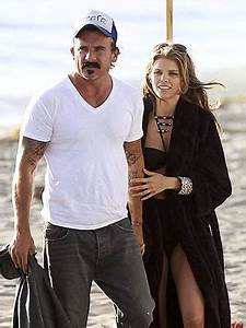 AnnaLynne McCord Dating Dominic Purcell: Pictures on the ...