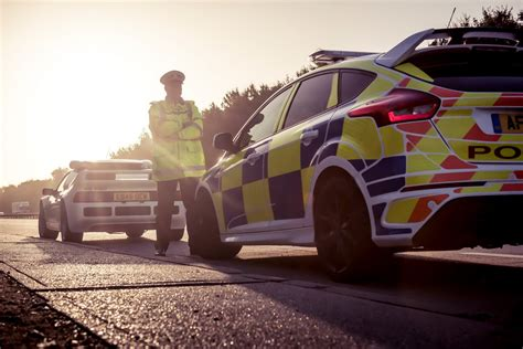 uk police   focus rs hot hatch brings iconic