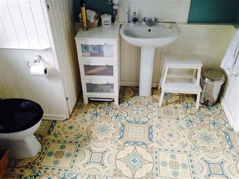 cushion flooring for bathrooms 149 best images about floors on 18014