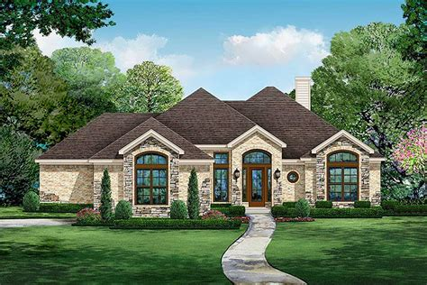 bed european ranch home plan  courtyard entry tx architectural designs house plans