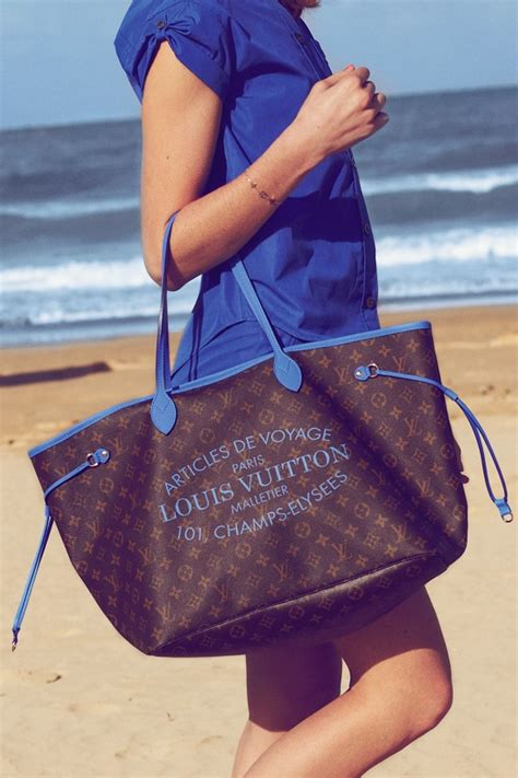 louis vuitton springsummer  neverfull bags  colorful trim spotted fashion