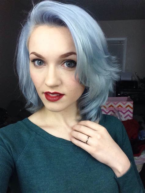 Subtle Silver Hair Color Trend For 2016 2019 Haircuts